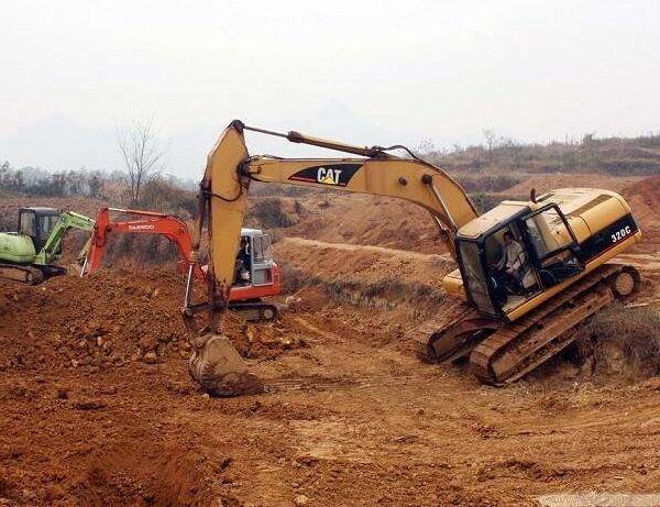 挖掘机培训咨询,挖掘机培训哪家便宜